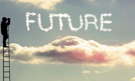 """Truyện ngắn """"Nhìn lại chuyện tương lai"""""""